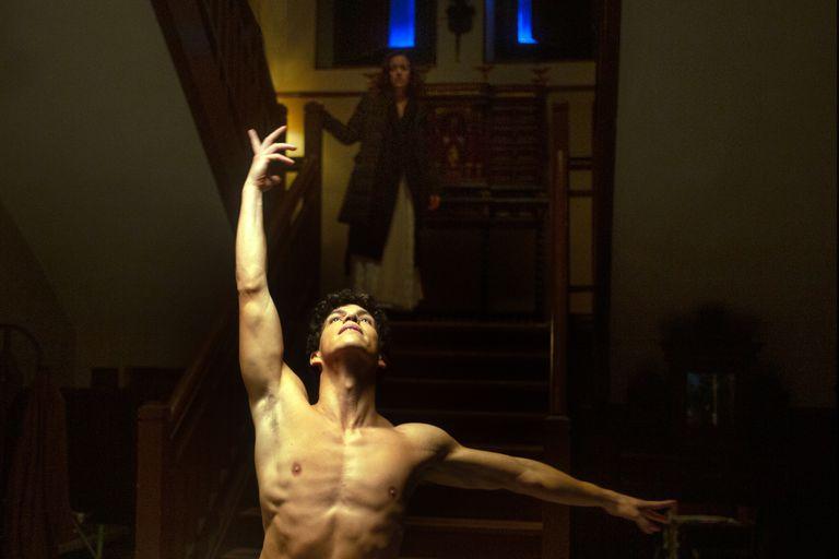 """Isaac Hernández, en ATQM de Netflix: """"Soy el único decente en esta serie"""""""
