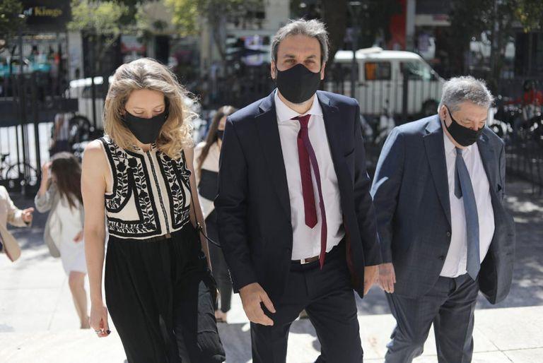 Santilli y Gollán preparan los papeles que le pide la Justicia para demostrar su domicilio bonaerense