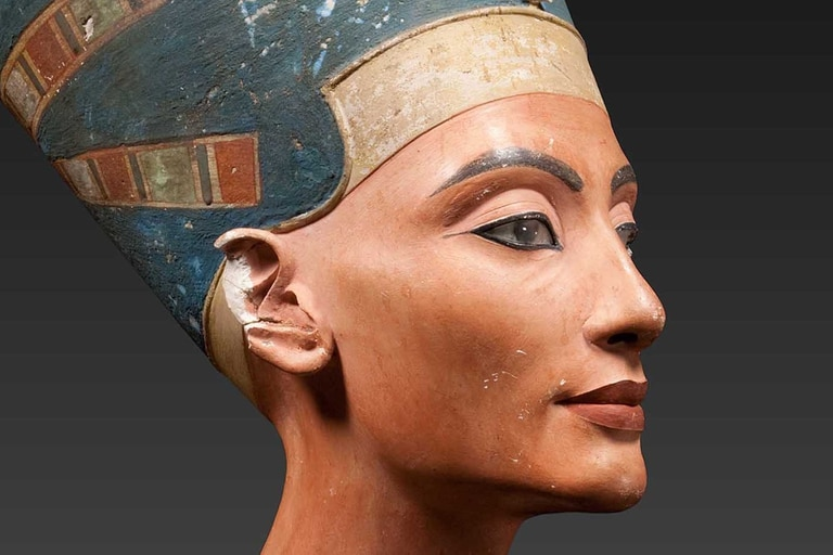 En el transcurso de este mes se podría confirmar la noticia del descubrimiento de la tumba de la reina Nefertiti