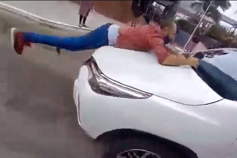 Formosa: un ministro arrastró a un manifestante en el capó durante una protesta de comerciantes