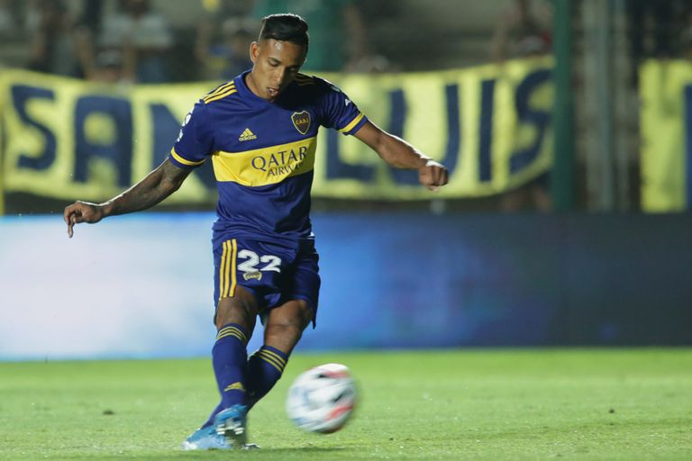 Gol de Villa: el colombiano anotó el 1-0 de penal