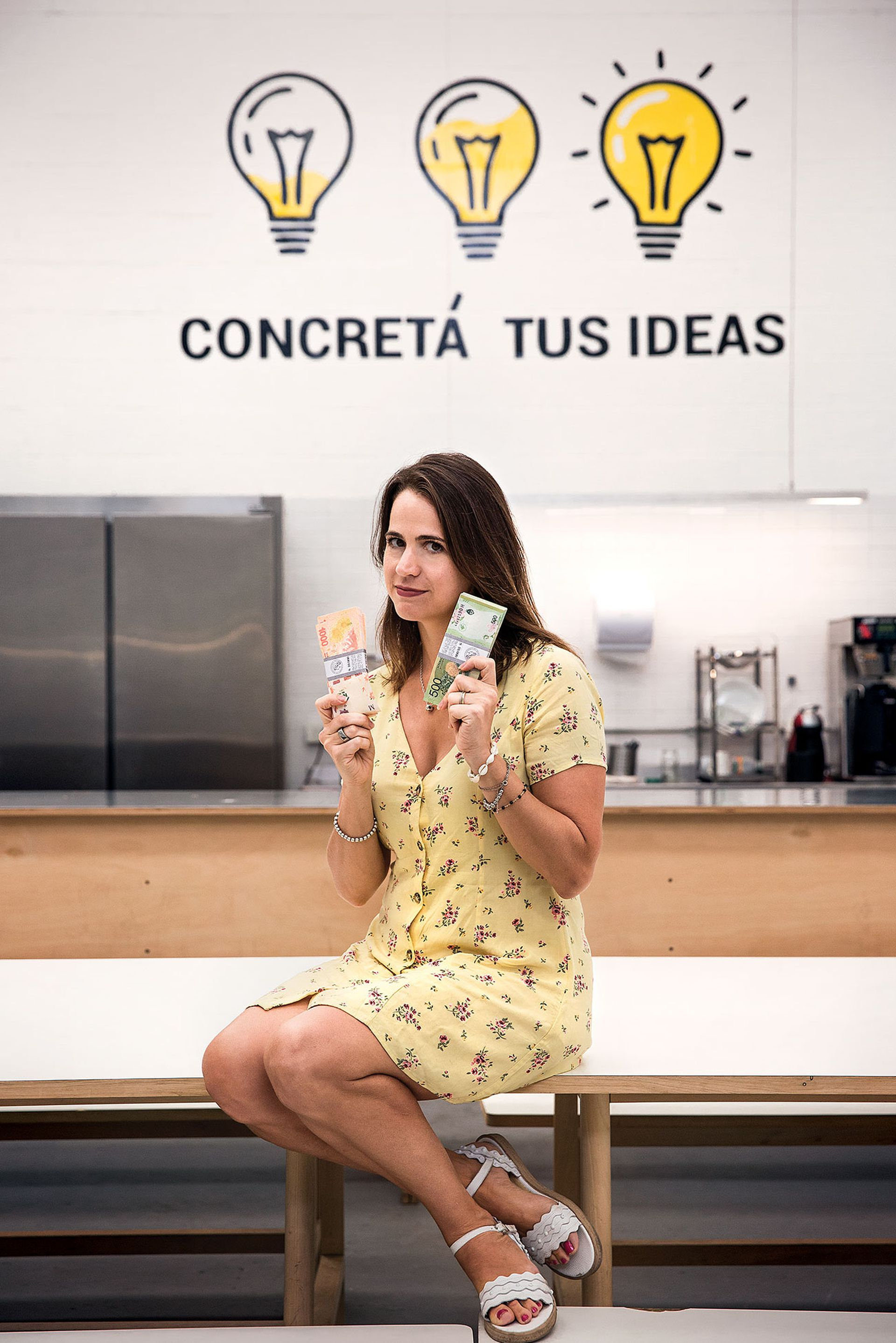Lucía Aguilar (@luli.invierte).