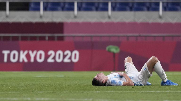 La desazón del capitán argentino, Nehuén Pérez, tras la eliminación del seleccionado olímpico de fútbol luego de empatar 1-1 con España.