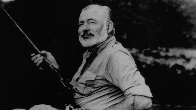 Hemingway, en una jornada de caza
