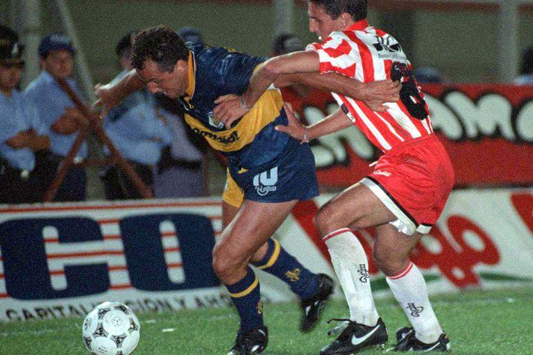 En una encuesta realizada por la FIFA en 2001, Márcico fue elegido como el segundo entre los mejores enganches de la historia del fútbol argentino, después de Diego Armando Maradona.