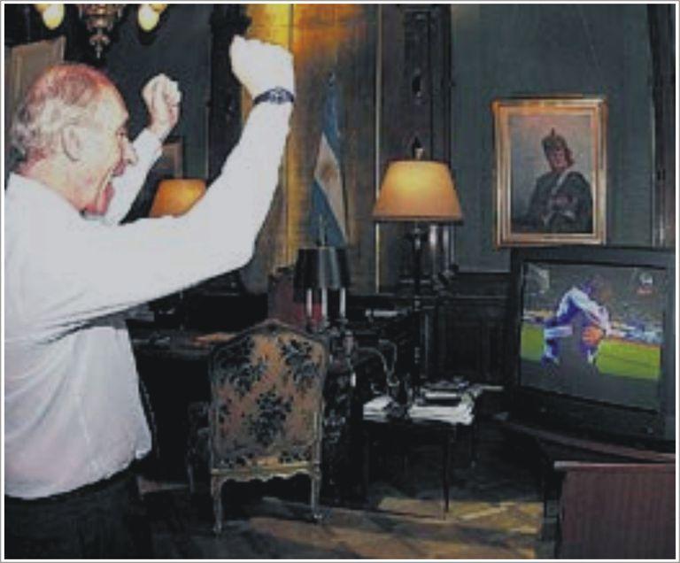 De la Rúa, durante la final de la Copa Intercontinental de Japón, en 2000, cuando Boca Juniors derrotó al Real Madrid