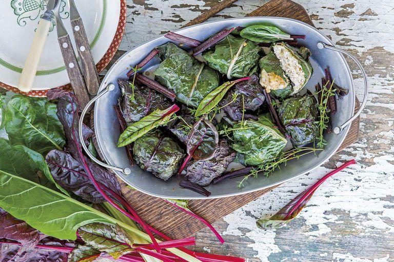 Cuatro recetas para usar hojas de vegetales con rellenos veganos