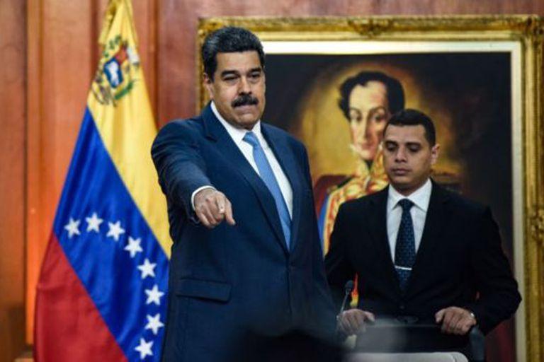 El gobierno de Nicolás Maduro, en Venezuela, podría enfrentar dificultades económicas adicionales si se mantiene la caída de los precios del petróleo.