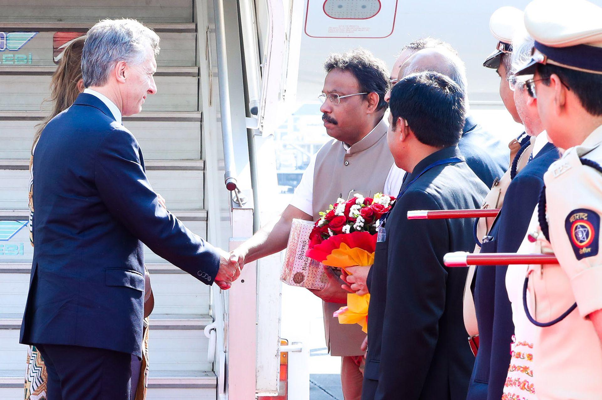 Mauricio Macri al llegar a la ciudad de Mumbai
