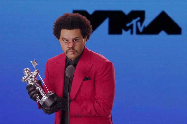 The Weeknd se llevó el premio al video del año.