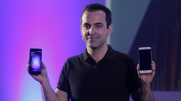 Hugo Barra, vicepresidente de operaciones internacionales de Xiaomi, durante la presentación del Mi 5 en Barcelona