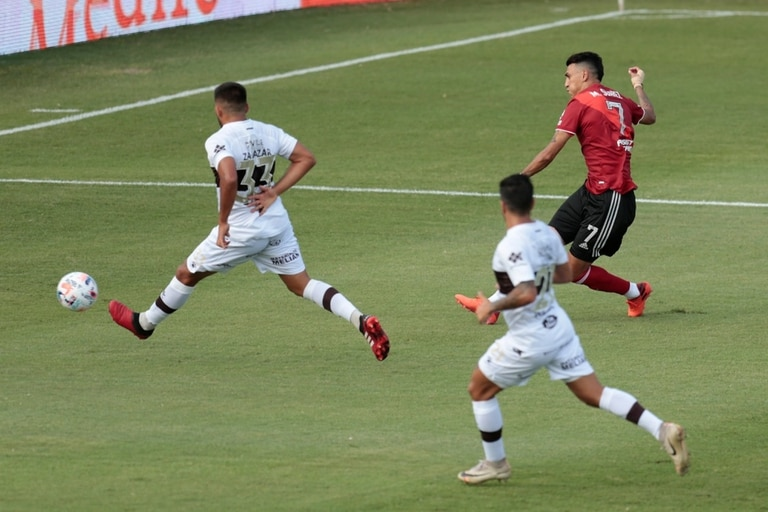 durante el partido que disputan River Plate y Platense