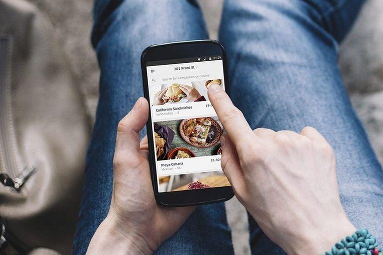 Uber llega a Córdoba con el servicio de delivery de comida Uber Eats