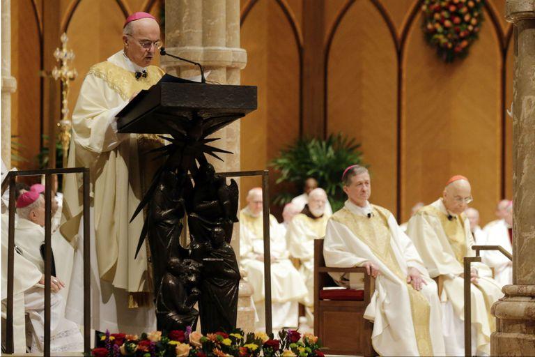 Viganò, durante una misa en Chicago, en 2014