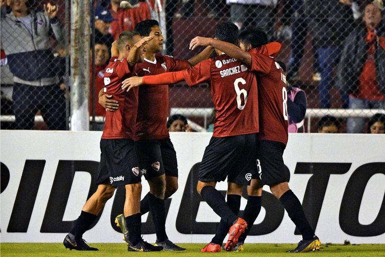 Independiente celebra la conquista de Cecilio Domínguez