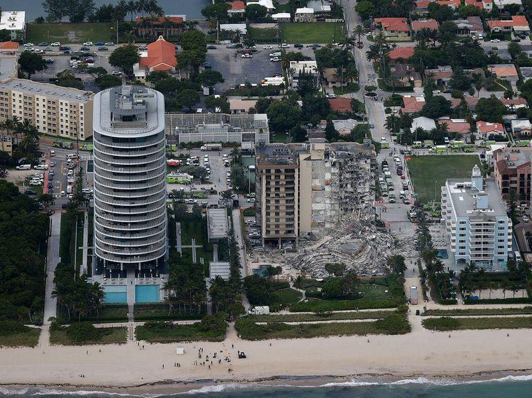 Así quedó el edificio que colapsó en Miami