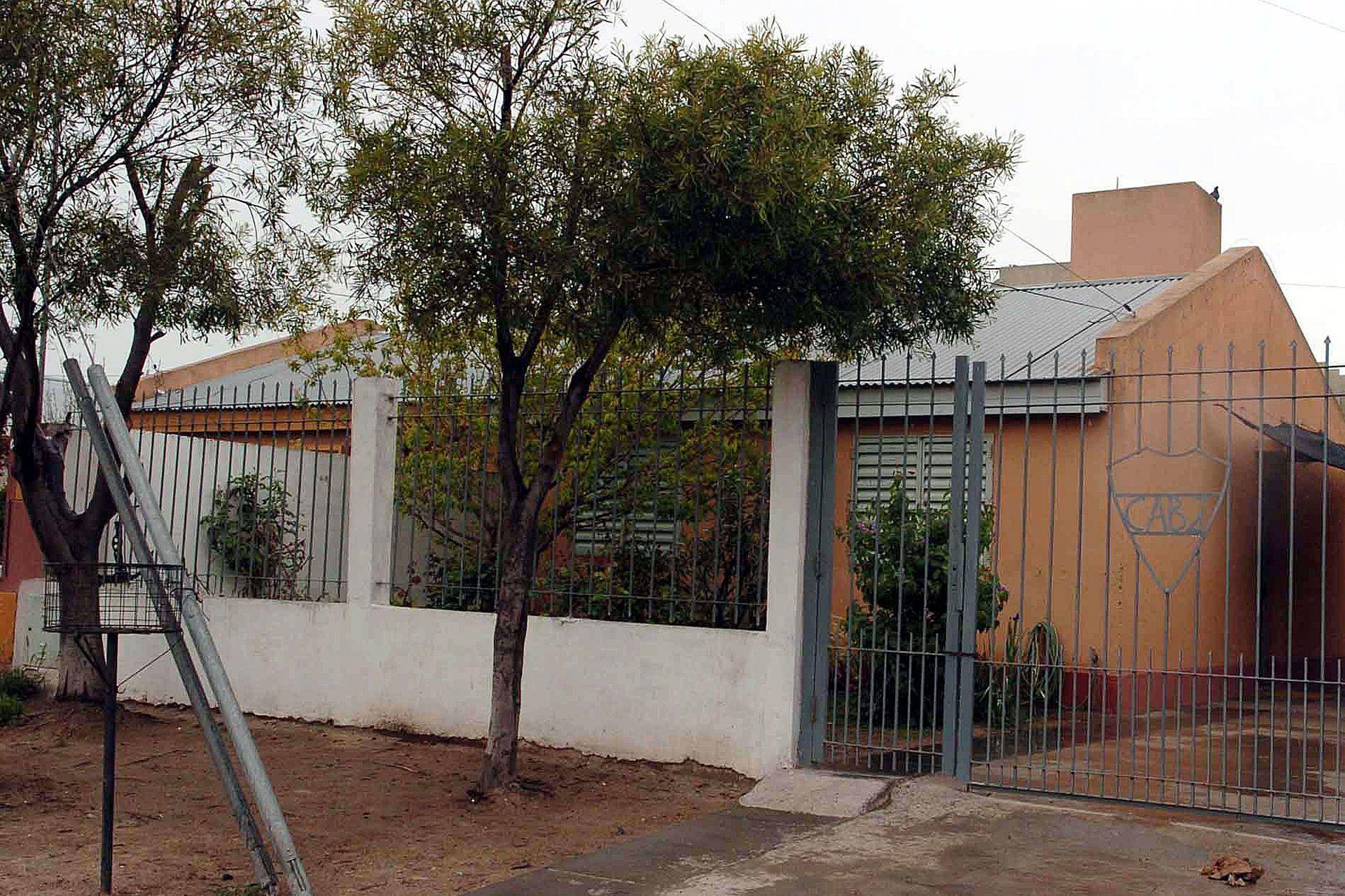 "Frente de la casa de Rafael ""Juniors"", ubicada en la calle San Juan 614 del barrio Fonavi, en Carmen de Patagones"