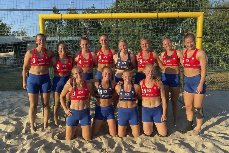 Un equipo de jugadoras noruegas se negó a usar la ropa reglamentaria y tendrá que pagar multas