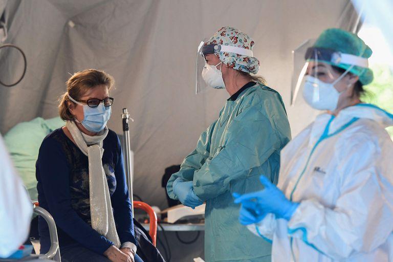 El avance del coronavirus en la Argentina ya dejó dos muertos y 34 contagiados