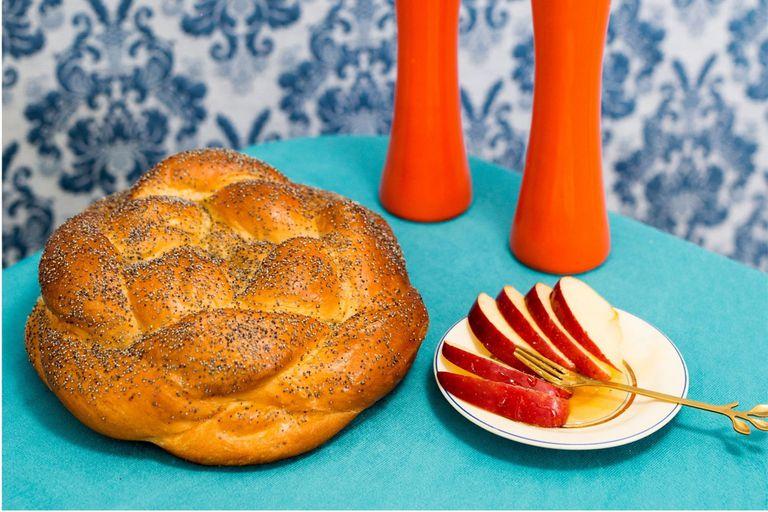 Pan jalá con masa madre y almíbar