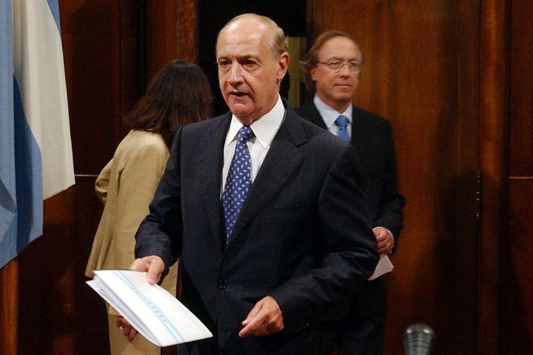 """En 2005, el entonces ministro de Economía, Roberto Lavagna, y su secretario de Finanzas, Guillermo Nielsen (hoy presidente de YPF) ofrecieron como """"endulzante"""" en la negociación de la deuda un cupón atado a la evolución del PBI"""