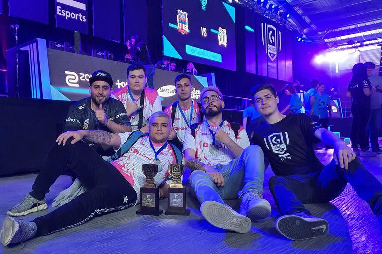El equipo 9z que salió victorioso en México jugando al Counter Strike