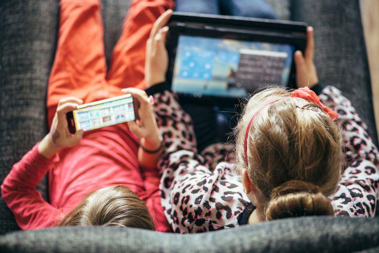 Los dispositivos móviles cuentan con diversos servicios que permiten gestionar el tiempo de uso de apps y juegos