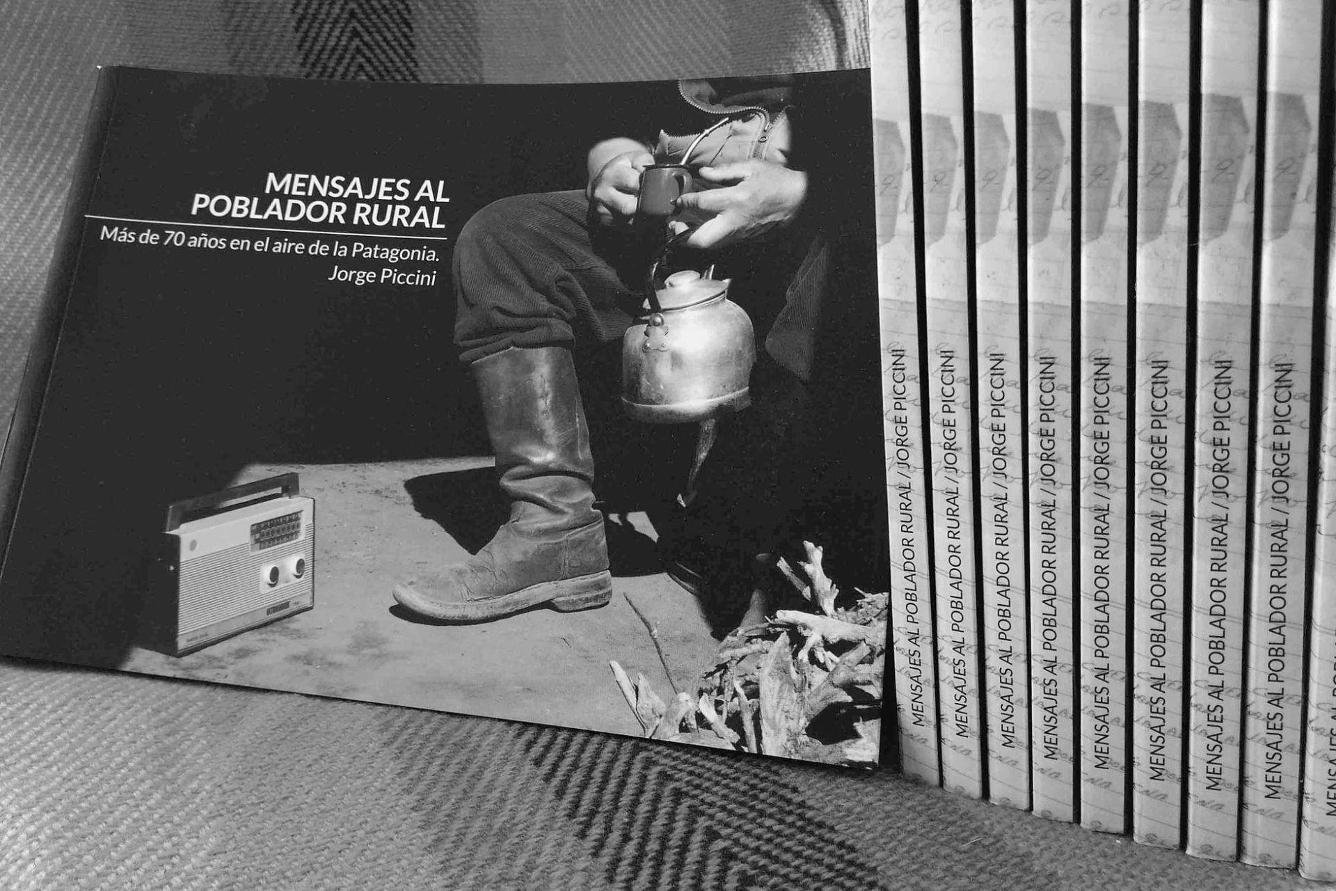 Jorge publicó su libro en mayo de 2019.