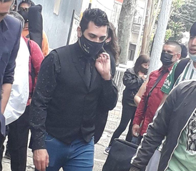 Acusaron a un cantante de cumbia de abusar de sus sobrinas y lo detuvieron antes de tocar en Pasión de Sábado