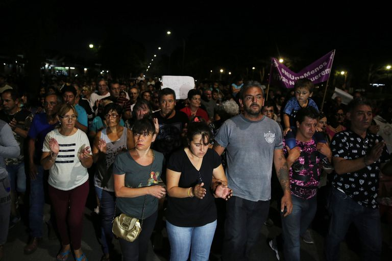 Consignas del #NiUnaMenos en la marcha por el crimen de Camila
