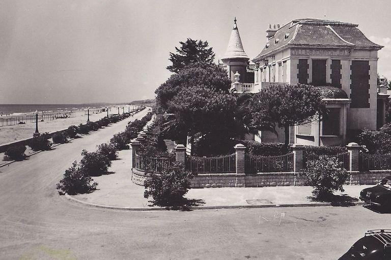 Postal de la Villa Buenaventura en Coma Ruga, circa años 50