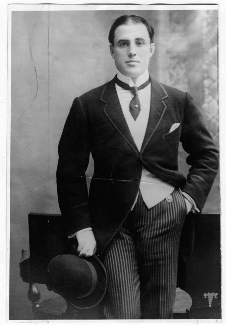 Cultor del esgrima, el box, el atletismo, la natación y otros deportes, Jorge Newbery fue un dandy de su tiempo.