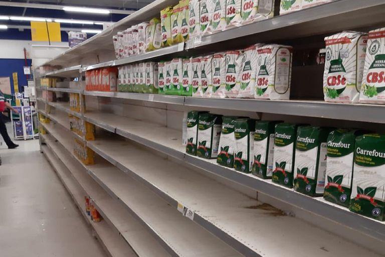 Precios: el interior registra faltantes de productos en góndolas de alimentos