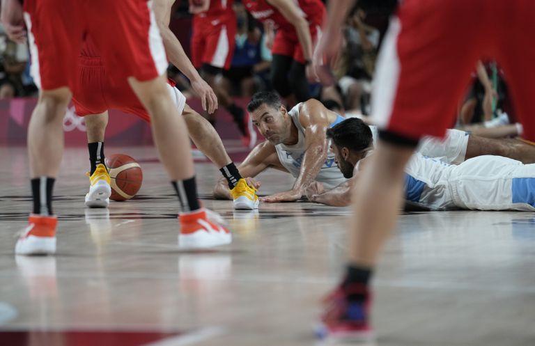 El básquet pasó a los cuartos de final; emotivas despedidas de Carou y Sebastián Simonet en  handball
