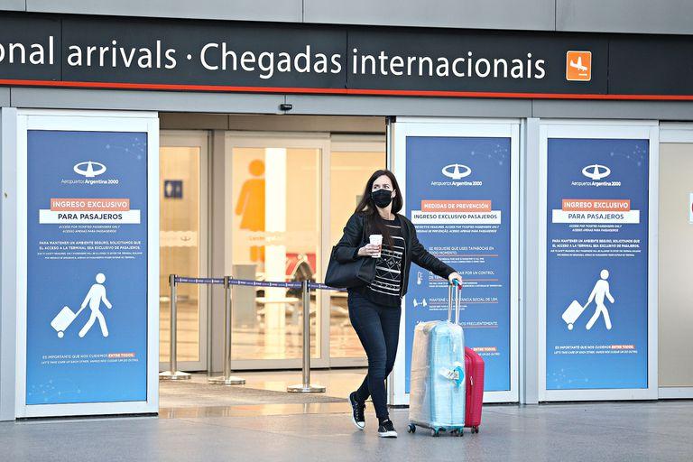 Dramático testimonio de pasajeros que fueron bajados de un avión antes de volar a Ezeiza