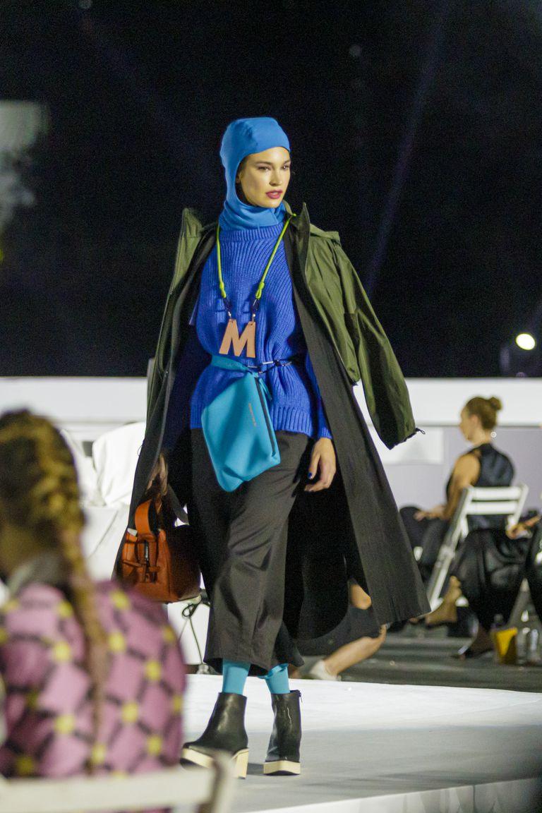 Las pasadas de Mishka, con vestimenta de inspiración alpina