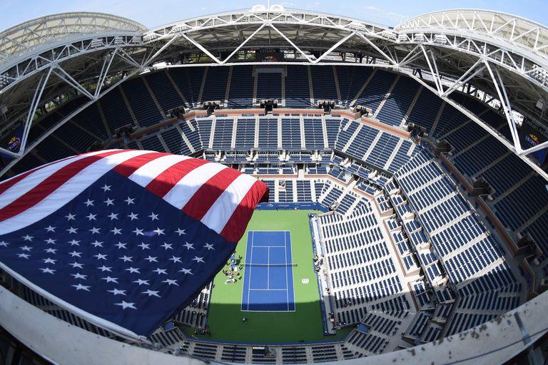 El imponente estadio Arthur Ashe, escenario del US Open; el tenis vive su propia convulsión por el coronavirus