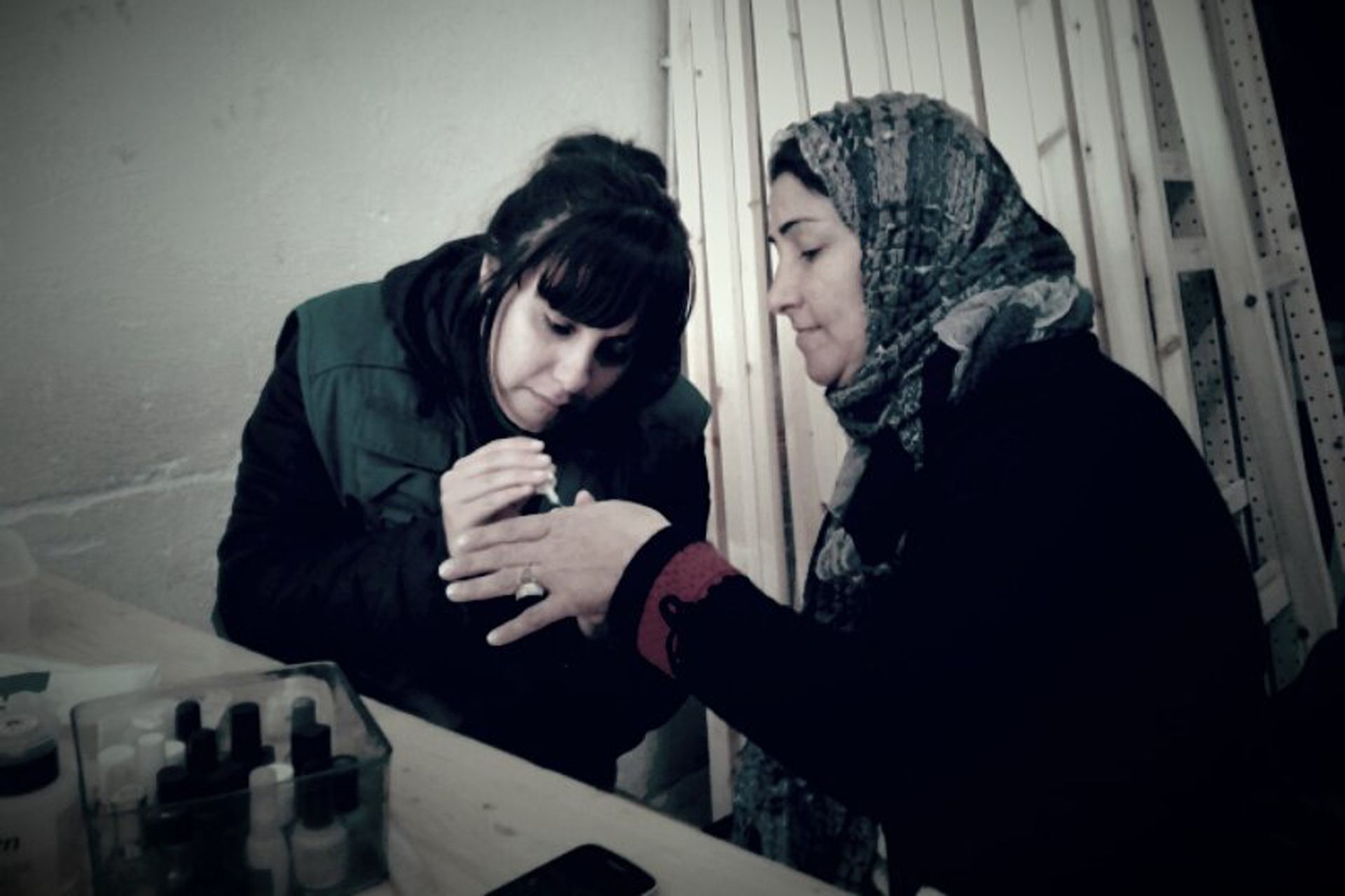 A través del cuidado estético, las mujeres refugiadas fueron creando fuertes lazos de amistad