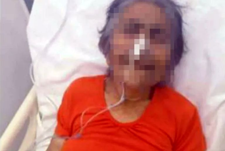 """Abandonaron a una anciana en la guardia de un hospital con un cartel que decía """"no me puedo hacer cargo"""""""
