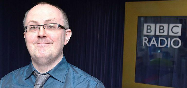 Dean Burnett ha sido invitado a varios programas de la BBC y escribió artículos para la revista Science Focus