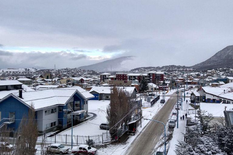Comenzaron las primeras nevadas fuertes de la temporada en la Cordillera