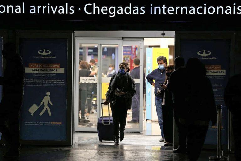 En todos los casos se trata de viajeros que llegaron al país los primeros días de este mes