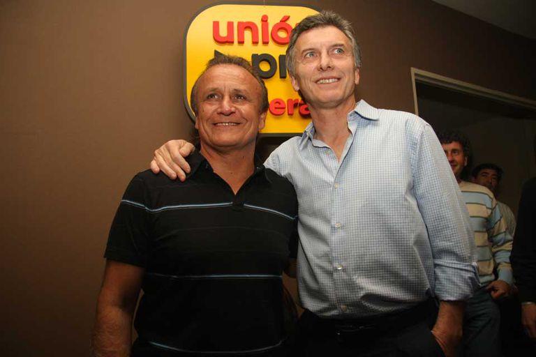 Miguel Del Sel, cuando era candidato a gobernador, junto a Mauricio Macri, quien viajó a acompañarlo
