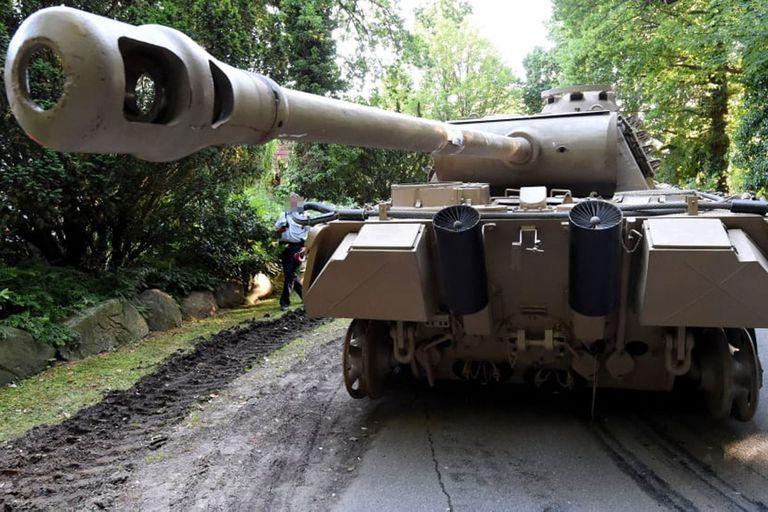 Klaus-Dieter F. compró el tanque Panzer en Inglaterra a fines de la década de 1970 y lo hizo restaurar completamente a nuevo