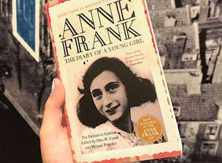 Las vacaciones también pueden ser un buen momento para conocer más sobre la historia de Ana Frank y su familia