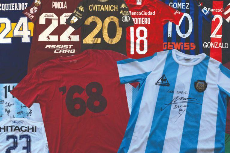 Camisetas solidarias. Rock y fútbol: la campaña de Ciro, con apoyo de Maradona