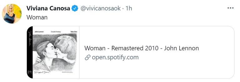 """Luego de su tuit inicial, compartió una canción de John Lennon titulada """"Woman"""" (""""Mujer"""")"""