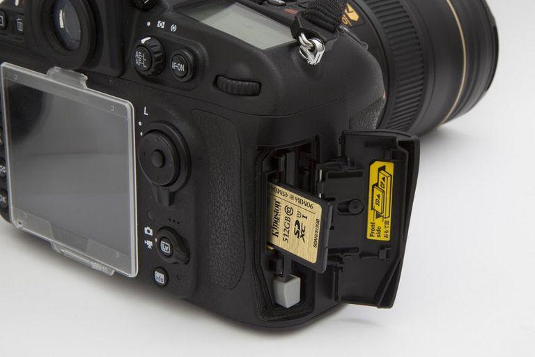 Las tarjetas de memoria SD ya cuentan con una capacidad de hasta 512 GB, como en este modelo de Kingston orientado para cámaras digitales reflex