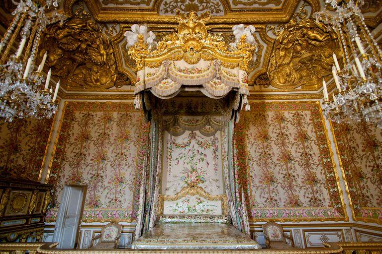 El dormitorio real en el palacio de Versalles