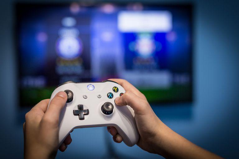 Microsoft planea lanzar un dispositivo similar a Chromecast que permitirá jugar videojuegos de forma directa en el televisor con su servicio de streaming xCloud